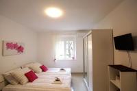 Central Square Guest House - Dvokrevetna soba s bračnim krevetom ili s 2 odvojena kreveta s pogledom na vrt - zadar sobe