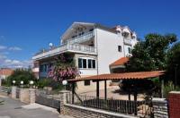 Apartments Kraljev - Apartment mit 2 Schlafzimmern mit Balkon - Ferienwohnung Biograd na Moru