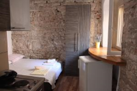Rooms & Studio Apartments Šibenik - Twin Room - Rooms Sibenik