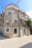 Denis House - Three-Bedroom Apartment - apartments makarska near sea