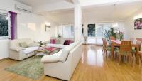 Apartment Centar Makarska - Two-Bedroom Apartment with Terrace - apartments makarska near sea