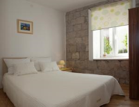 Stone Wall Apartments - Comfort Double Room with Shower - Rooms Split
