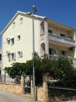 Apartments Domora - Apartment mit 1 Schlafzimmer und Terrasse - Ferienwohnung Trogir