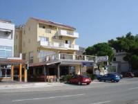 Apartments Tota - Dvokrevetna soba s bračnim krevetom s pogledom na more - Sobe Starigrad