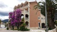 Apartments Mirni Kutak - Apartment mit Terrasse - Kastel Gomilica