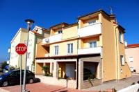 Apartments Miki - Apartment mit 1 Schlafzimmer und Terrasse - Povljana