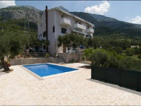 Makarska Apartment 1 - Four-Bedroom Apartment - apartments makarska near sea