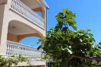 Apartments Vuckovic - Apartment with Sea View - Rooms Dubrava
