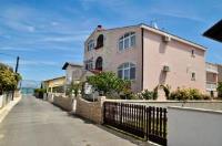 Apartments Marinović - Apartment mit 1 Schlafzimmer mit Balkon und Gartenblick - Nin