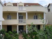 Villa Marica - Jednosobni Penthouse s balkonom - Apartmani Brodarica