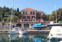 Guest house Dora - Apartment with Terrace - Apartments Vrboska