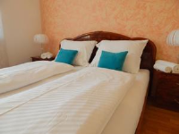 Kolovare Apartment - Triple Room with Shared Bathroom - Rooms Zadar