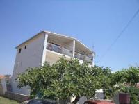 Apartments Angela - Familien-Apartment mit 1 Schlafzimmer und Balkon (3 Erwachsene) - Ferienwohnung Tribunj
