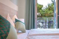 Hotel Bor - Superior dvokrevetna soba s bračnim krevetom i balkonom i pogledom na more - Sobe Krk