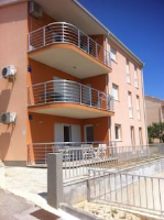 Apartment Jusepe - Three-Bedroom Apartment with Balcony and Sea View - Apartments Okrug Gornji