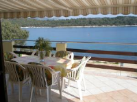 Apartments Knezak - Three-Bedroom Apartment with Terrace and Sea View - Veli Iz