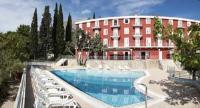 Hotel Bellevue - Dvokrevetna soba s bračnim krevetom okrenuta prema parku - glavna zgrada - Sobe Hrvatska