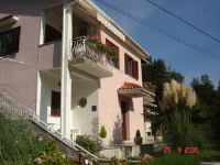 Apartment and B&B Mikleus - Triple Room with Garden View - Houses Moscenicka Draga