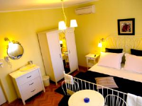 House Rozi - Comfort Double Room with Balcony - Rooms Palit