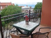 Apartment Blaza - Apartment mit 2 Schlafzimmern und Terrasse - Senj