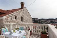Apartment Raguž - Apartment mit 2 Schlafzimmern und Terrasse - Ist