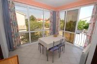 Apartment Kadumi - Apartment mit 1 Schlafzimmer, einer Terrasse und seitlichem Meerblick - Kadumi