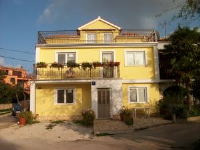 Apartments Zlata - Apartment with Terrace - Houses Stranici
