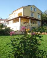 Guesthouse Villa AnnaDora - Apartment mit 2 Schlafzimmern und Terrasse - Ferienwohnung Brsec