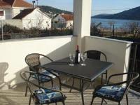 Apartments Glavina - Apartment mit Balkon - Vinisce