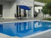 Apartments Šantić - Apartment with Pool View - apartments makarska near sea