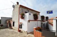 Mon Perin Castrum - Homestay Danica - Dvokrevetna soba Deluxe s bračnim krevetom s balkonom - Bale