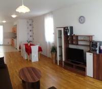 Apartment Kristijan - Apartment - apartments makarska near sea