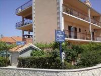 Guesthouse Villa Tatjana - Dvokrevetna soba s bračnim krevetom s balkonom (2 odrasle osobe) - Sobe Ravni