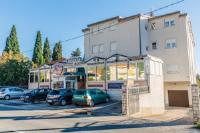 Guesthouse Varnica - Apartment mit 2 Schlafzimmern, einem Balkon und Meerblick - Kastel Luksic