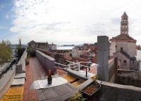 Million Dollar View Apartment - One-Bedroom Apartment with Terrace - apartments split