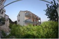 Apartments Ivusic - Dvokrevetna soba s bračnim krevetom i vanjskom kupaonicom - Sobe Jezera