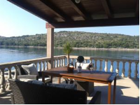 Apartments Miranda - Duplex Two-bedroom Apartment with Terrace and Sea View - Kaprije