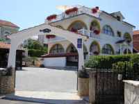 Villa Flora - One-Bedroom Apartment with Balcony and Sea View (4 Adults) - Malinska