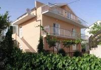 Apartments Roza - Apartment im Dachgeschoss mit 1 Schlafzimmer, Terrasse und Meerblick - Seget Donji