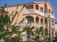 Apartments Dujlovic - Three-Bedroom Apartment with Terrace - Privlaka