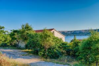 Apartments Nice - Two-Bedroom Apartment with Balcony and Sea View - apartments in croatia