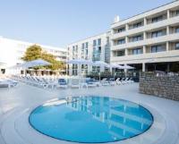 Park Plaza Arena Pula - Dvokrevetna soba s bračnim krevetom s pogledom na bazen - Sobe Pula
