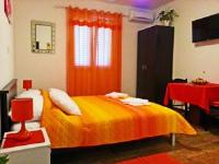 Apartments King - Apartment mit 1 Schlafzimmer, Terrasse und Meerblick - Ferienwohnung Mokosica