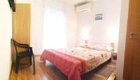 Apartments Vjeko - Twin Room with Private Bathroom - Rooms Split