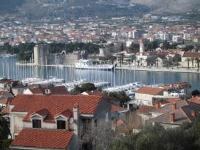 Guest House Juraj - Dvokrevetna soba s bračnim krevetom s terasom - Sobe Trogir