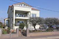 Apartments Villa Lili - Three-Bedroom Apartment - Apartments Umag