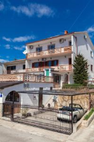 Apartments Vita - Apartment - Erdgeschoss - Ferienwohnung Novi Vinodolski