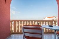 Guest house Medic - Dreibettzimmer - mit Balkon und Meerblick - Zimmer Medulin