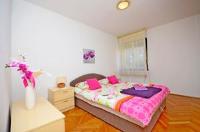 Apartment Nadin - Two-Bedroom Apartment - apartments in croatia