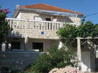 Apartments Jelincic - Two-Bedroom Apartment with Sea View (6 Adults) - apartments trogir
